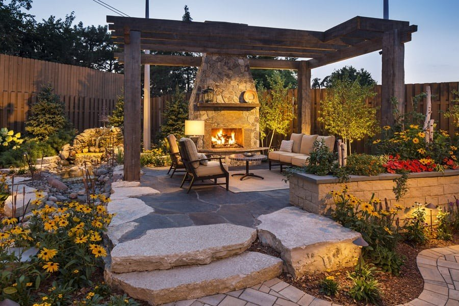 Stepped flagstone patio design with dry laid flagstones