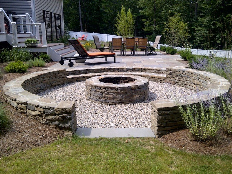 Sunken fire pit patio idea on a budget with gravel floor