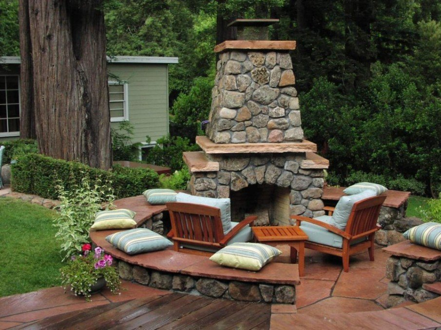 Tiny patio with fireplace place ideas
