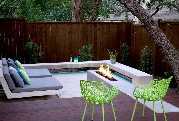Tiny sunken patio fireplace area