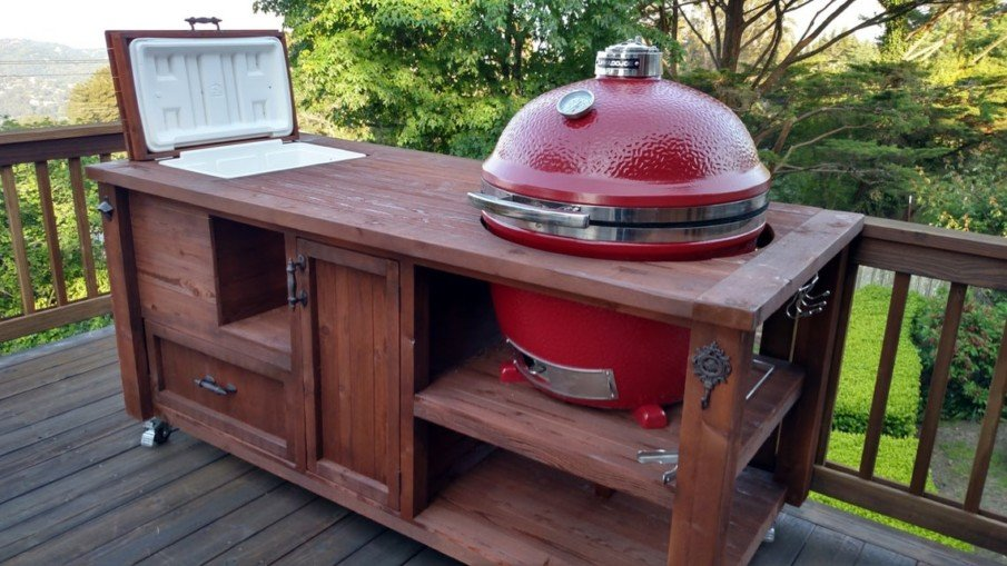 Bi green egg outdoor kitchen island with cooler