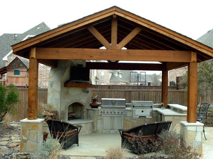 Outdoor kitchen and pergola ideas