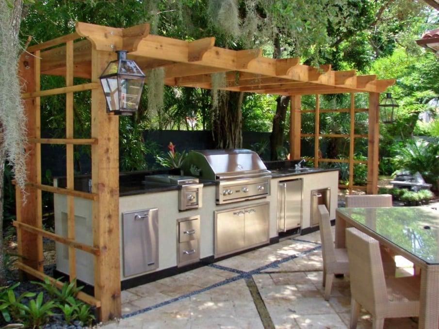 Outdoor kitchen under pergola