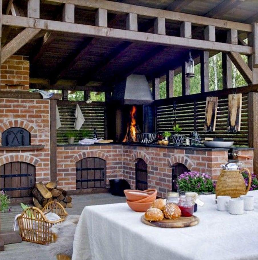 Outdoor kitchen with pergola ideas