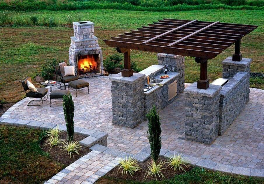 Outdoor pergola built into kitchen islands
