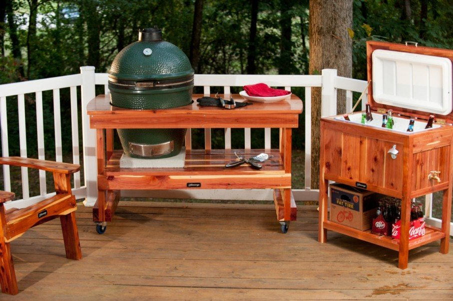 Small green egg outdoor kitchen