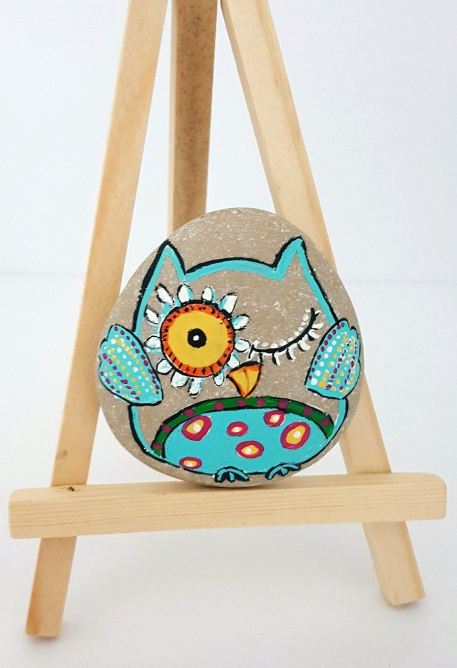 Painted funny owl rocks - great as garden decor