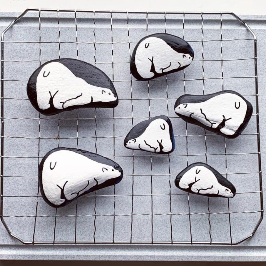 black and white pebble painting ideas - polar bears