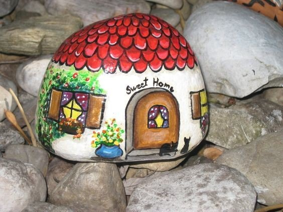 Sweet home painted on a rock
