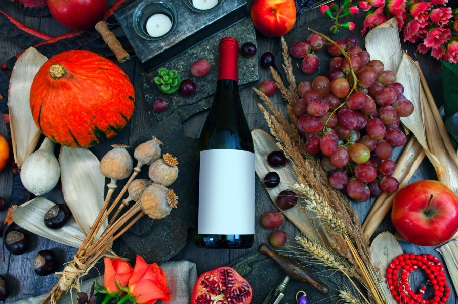 Your Perfect List of Seasonal Wines for Fall - Red, White and Orange