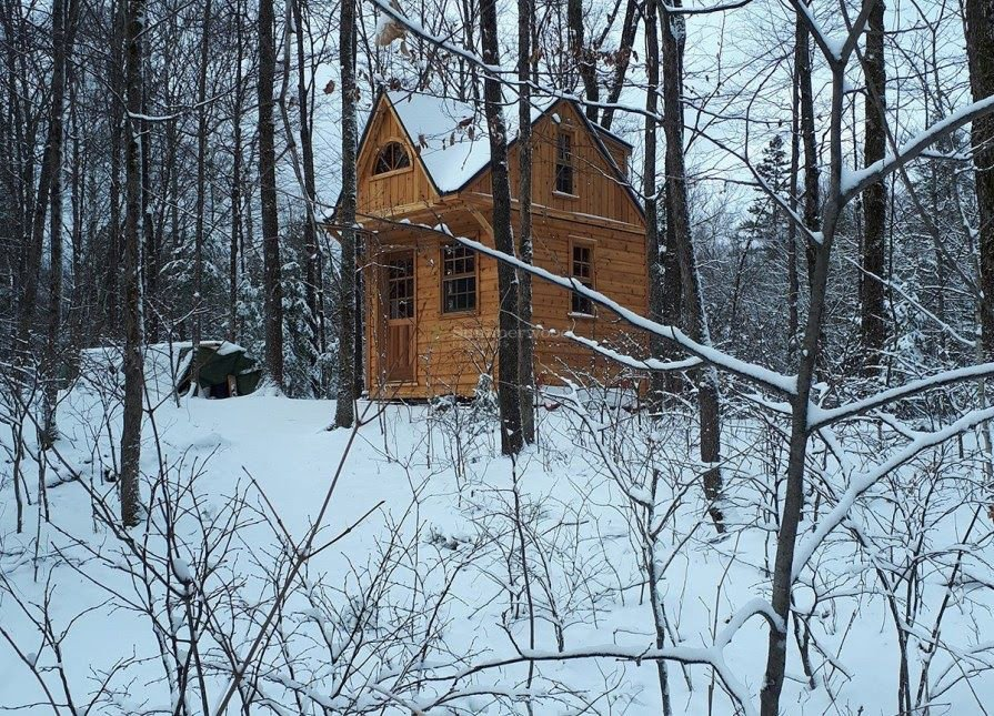 A nice tiny bunkie in the snow