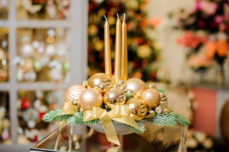 Go for the gold - Christmas candle centerpiece with gold tapers and ornaments