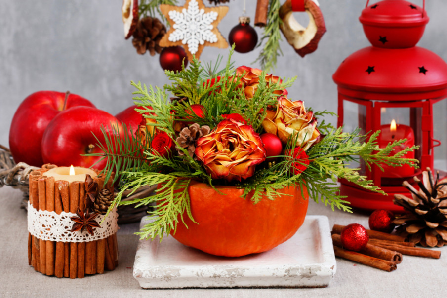 Christmas fun pumpkin vase paired with red lantern