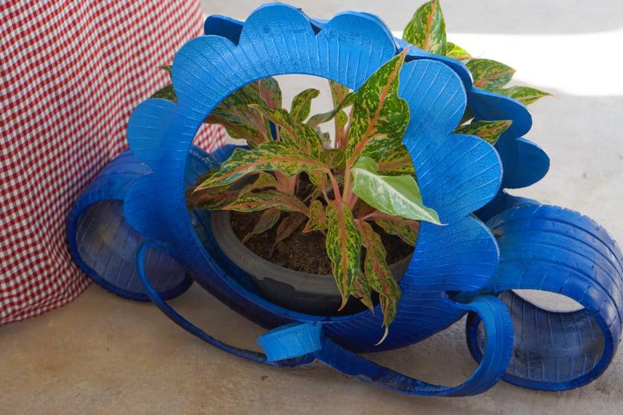 decorative tire planter design