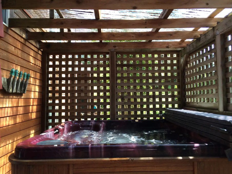 Lattice privacy screen around hot tub