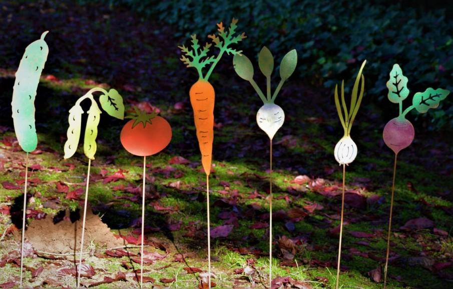 Steel garden markers