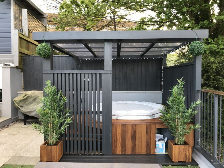 Modern wooden hot tub pergola design with roof