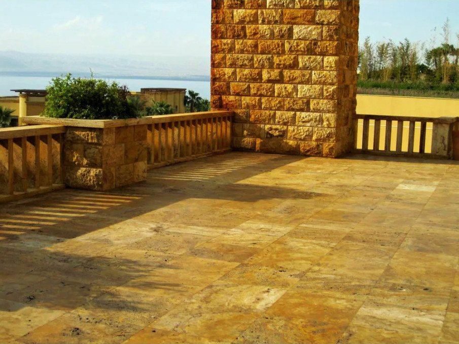 Flagstone Design Ideas: Ordered and Square