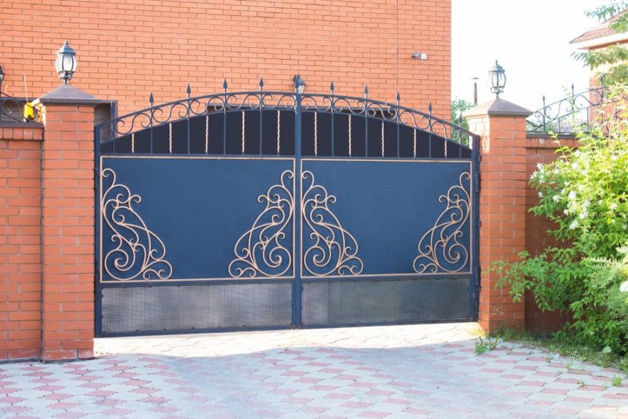 Iron swing gate design