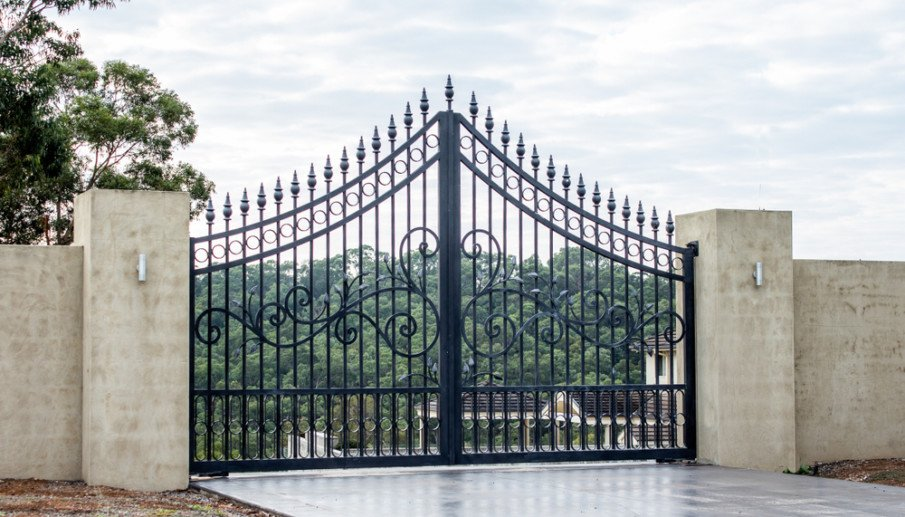 Beautiful wrought iron gate ideas for fence entrance