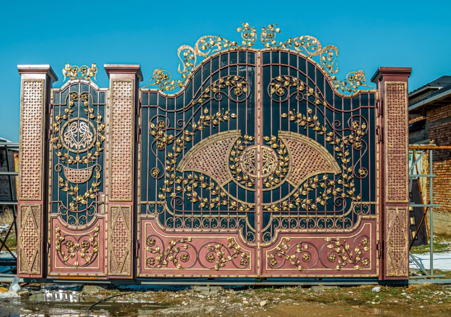 decorative wrough iron entrance gate idea