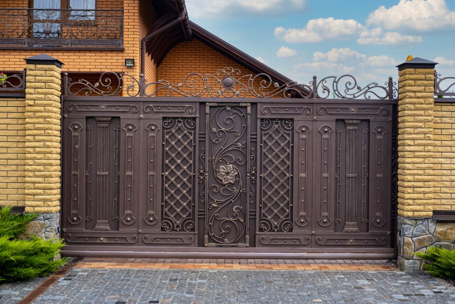 Modern sliding iron gate ideas