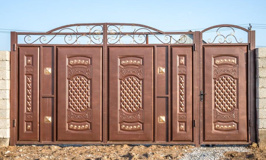 Creative iron gate design