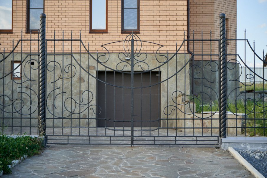 Transparent metal forged entrance gate