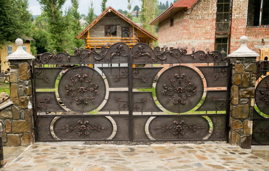 Driveway entrance wrought iron gate styles