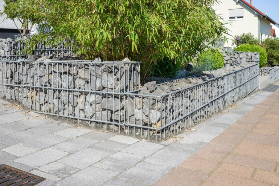 Three-sided gabion wall incorporates stairs