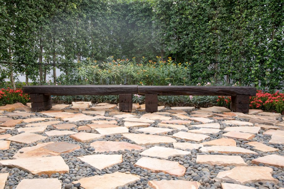 You don't have to use cement on your flagstone patio