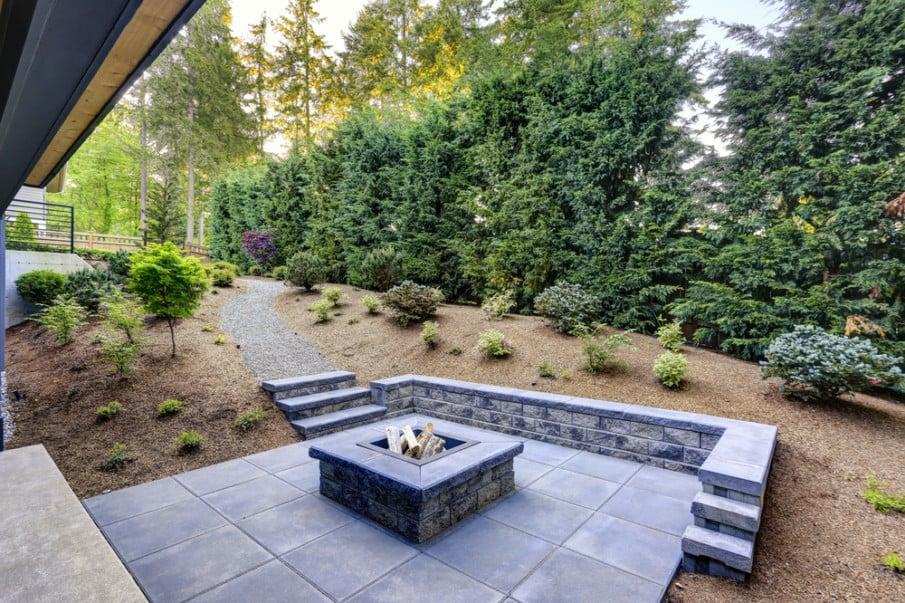 Gray flat flagstone patio design