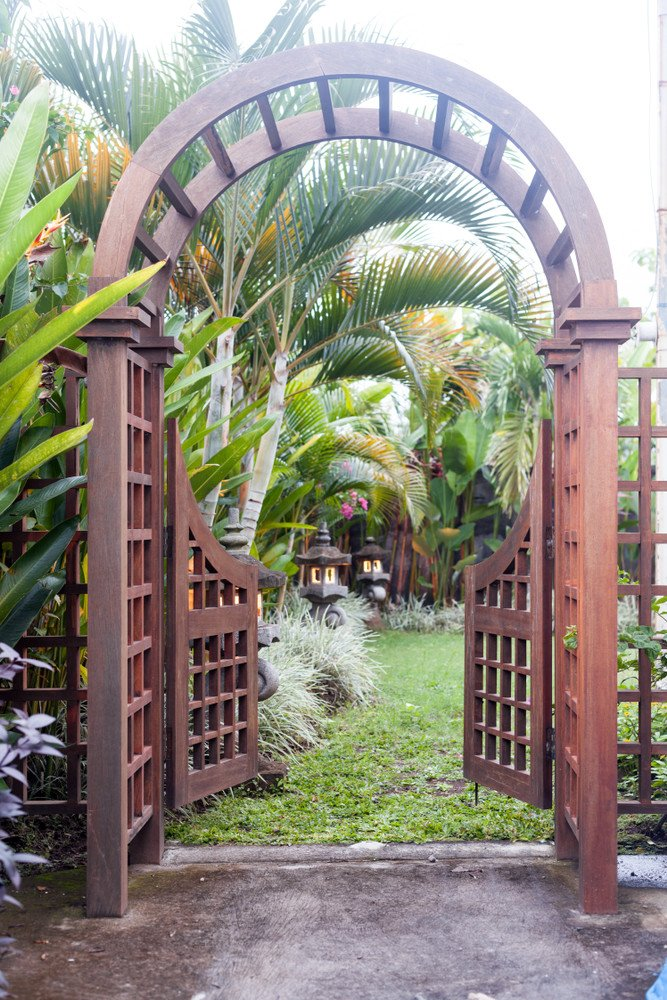 Oversized wood arbor gate design