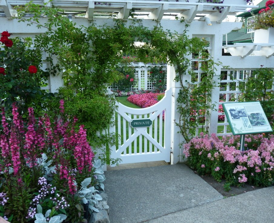 Beautiful entrance arbor at a commercial property