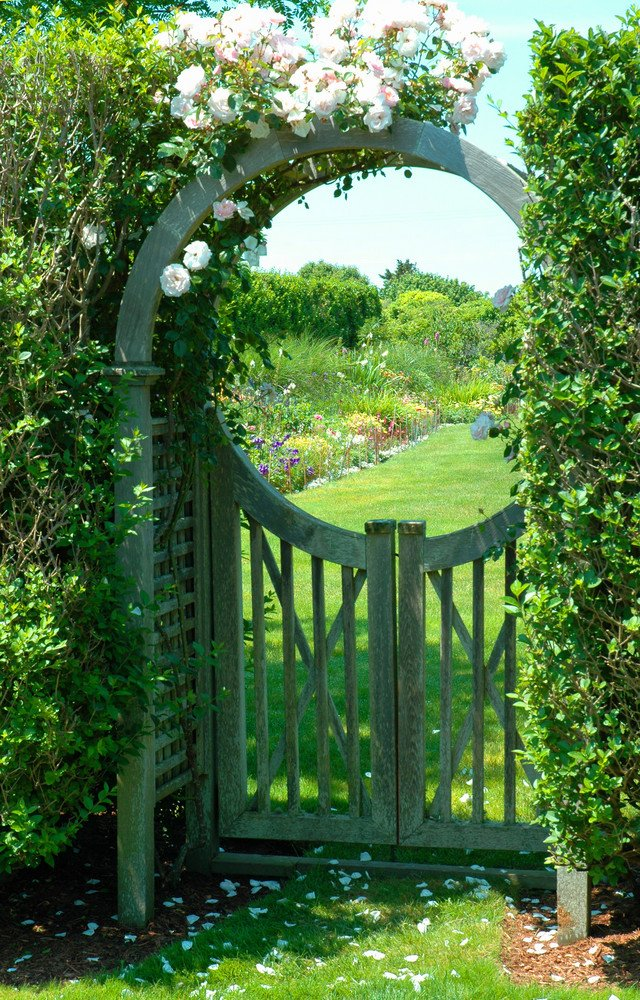 Classic arched arbor gate ideas